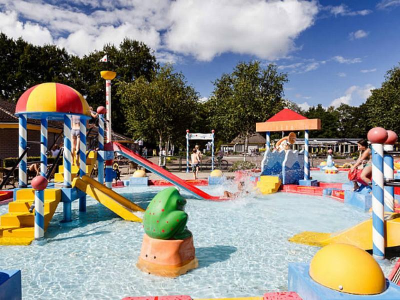 vakantiepark de roggeberg friesland zwembad