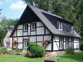 Je verblijft bijvoorbeeld in een appartement in deze mooie vakwerkboerderij