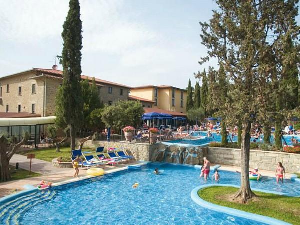 zwembad vila paradiso