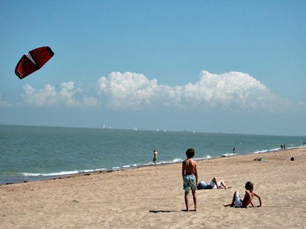 Lekker vliegeren aan de Belgische kust