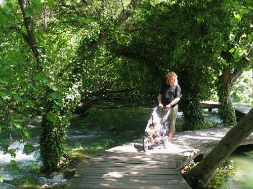 Wandelen over de vlonders bij de Krka watervallen