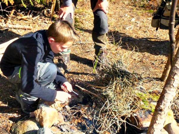 We leren vuur maken!