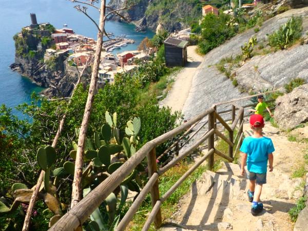 Wandelen langs de Cinque Terre is ook voor kinderen superleuk!