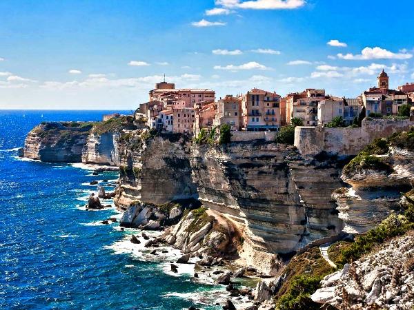 De krijtrotsen bij Bonefacio op Corsica