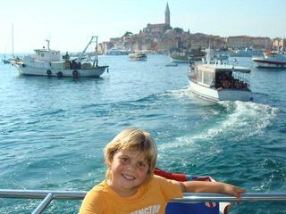 Boottripje voor de kust bij Rovinj