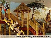 Speeltuin bij het Rhôn Park Hotel