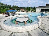 Zwembad bij Vakantiepark Arber