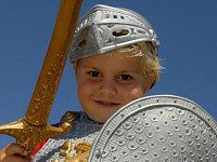 Riddertje spelen bij het kasteel van koning Arthur