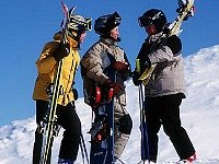 Skien met vriendjes