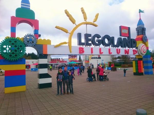 De ingang van Legoland Billund