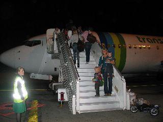 We stappen op het vliegtuig terug naar Nederland