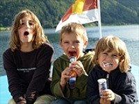 Plezier in een bootje op een Oostenrijks meer