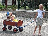 kinderen in de bolderwagen