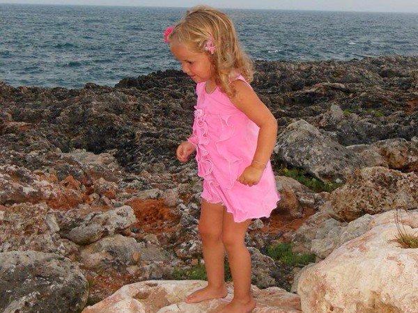 Roze kust op het Spaanse eiland Menorca