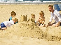 Lekker spelen op het strand van De Koog