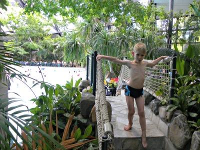 Tycho in een subtropisch zwembad