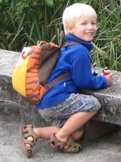 Onze peuter Tycho nam altijd graag zijn eigen tijgertas mee