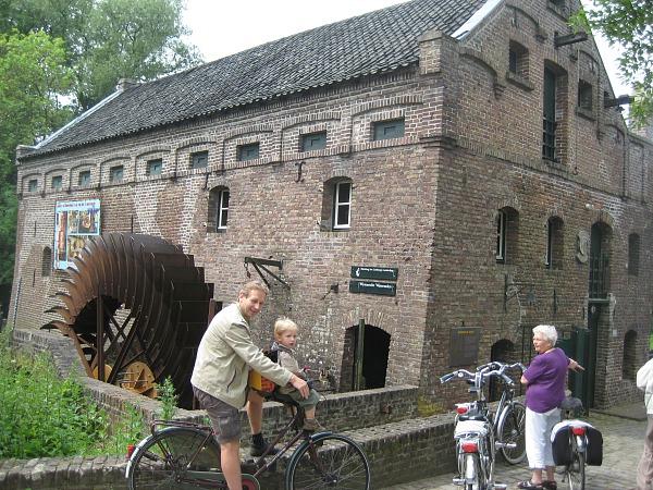 Bij een oude watermolen in Noord-Limburg