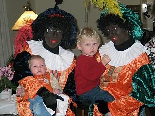 Zwarte Pieten met Zeb en Tycho