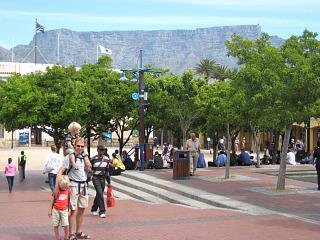 Poseren voor de tafelberg in Kaapstad