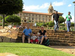 Op de trappen voor het Union Building in Pretoria
