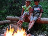 Heerlijk uitrusten bij het kampvuur