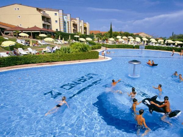Zwembad bij Loano2