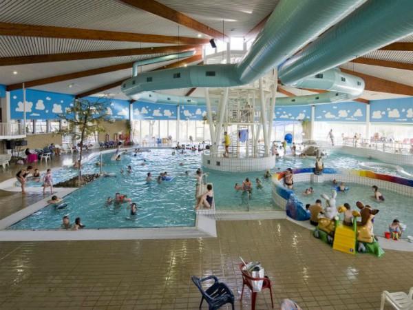 Het grote zwembad bij Hof Domburg
