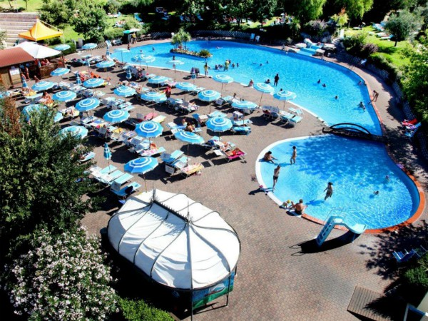 Zwembad van Centro Vacanza San Marino